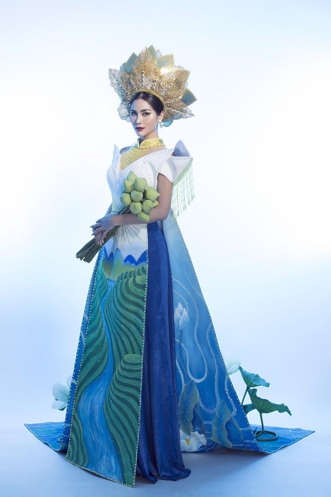 Hoàng Hạnh mặc quốc phục đính 5.000 viên pha lê tranh tài tại Miss Earth 2019 - Ảnh 7.