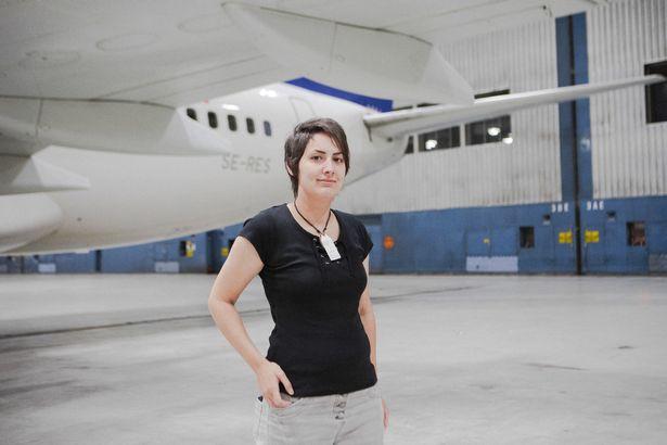 Cô gái tuổi băm 5 năm yêu Boeing 737: Chạm vào cánh máy bay là tôi vã mồ hôi và cảm thấy rạo rực - Ảnh 7.