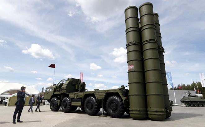 Mỹ tung đòn cực hiểm, đánh sập tham vọng bán S-400 của Nga cho Saudi Arabia - Ảnh 1.