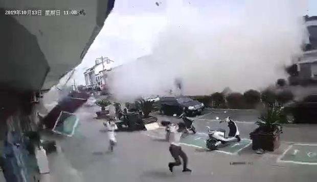 Nổ gas kinh hoàng tại quán ăn vặt khiến 9 người tử vong và 10 người bị thương, nguyên nhân vẫn chưa được tiết lộ - Ảnh 5.