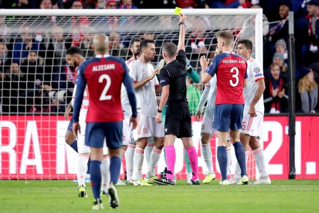 Bàn thua nghiệt ngã khiến chàng thủ quân điển trai Sergio Ramos kém vui trong ngày đi vào lịch sử bóng đá Tây Ban Nha - Ảnh 5.