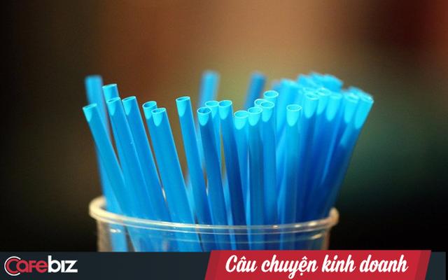 Tỉnh táo nhìn lại cơn sốt thay thế ống hút nhựa: Kể cả thay toàn bộ ống hút nhựa cũng chỉ giảm 0,025% lượng nhựa thải ra môi trường, khi chúng ta vẫn dùng chai, túi, cốc, thìa nhựa hằng ngày - Ảnh 1.