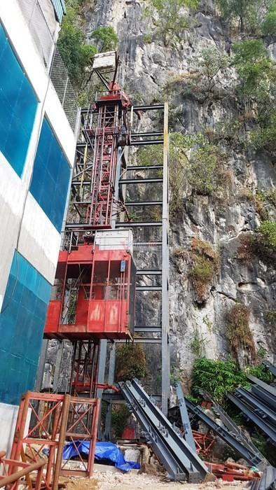 Hà Giang: Thang máy 102 tầng giữa phố cổ Đồng Văn - Ảnh 2.