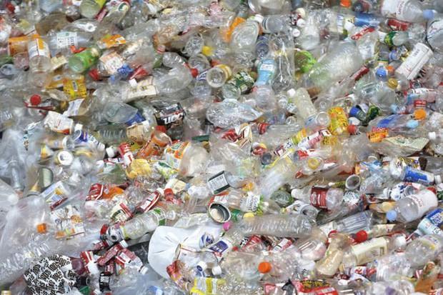 Sửng sốt vì lũ lụt nhưng không có một cọng rác, ít ai biết rằng Nhật Bản là một trong những nơi có lượng rác thải nhựa lớn nhất thế giới - Ảnh 7.