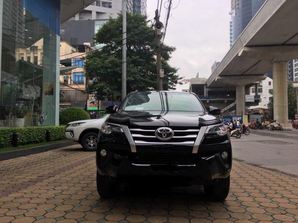 Toyota Fortuner: Thời vàng son đã qua, tụt dốc không phanh, giảm giá hơn trăm triệu - Ảnh 2.