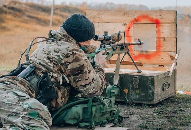 Sứ giả tử thần : Kinh nghiệm thao trường hun đúc lính bắn tỉa Nga - Ảnh 1.