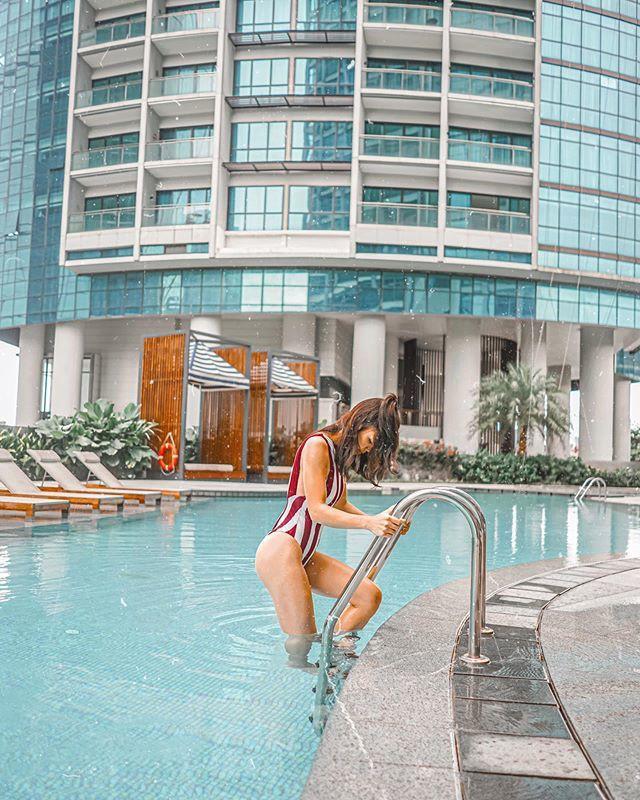 Dàn WAGs là người mẫu, blogger nóng bỏng của tuyển Indonesia - Ảnh 11.