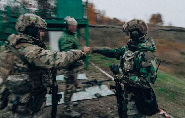 Sứ giả tử thần : Kinh nghiệm thao trường hun đúc lính bắn tỉa Nga - Ảnh 3.