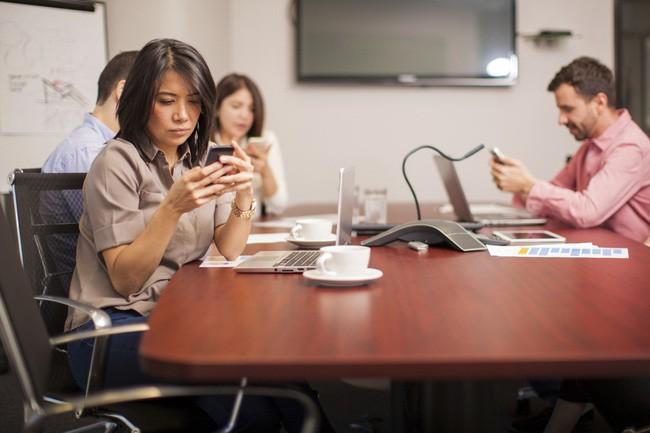 Thấy đồng nghiệp bận rộn không được thở ra 5 câu này để tránh trở thành kẻ vô duyên - Ảnh 3.