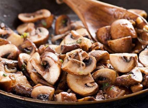 10 thực phẩm nhiều dinh dưỡng hơn khi nấu chín - Ảnh 4.