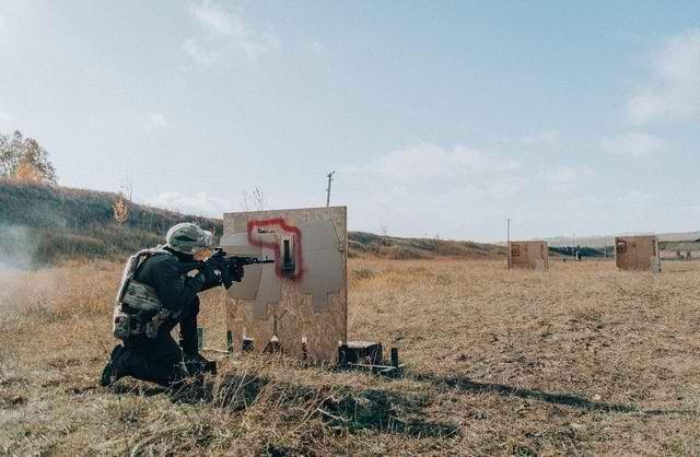 Sứ giả tử thần : Kinh nghiệm thao trường hun đúc lính bắn tỉa Nga - Ảnh 5.