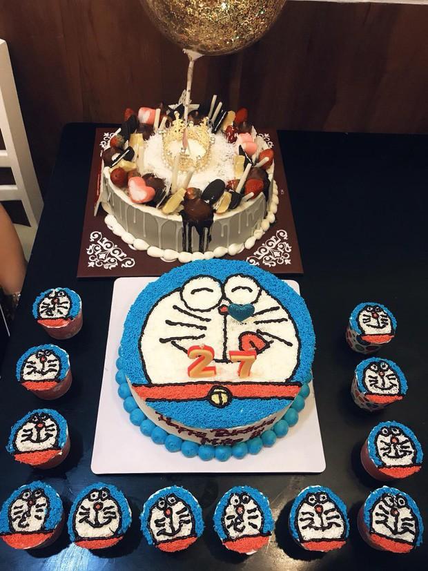 Dân tình choáng với căn phòng ngợp màu xanh của cô gái gần 30 tuổi không chịu lấy chồng vì còn mải mê Doraemon - Ảnh 6.