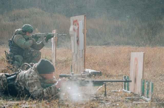 Sứ giả tử thần : Kinh nghiệm thao trường hun đúc lính bắn tỉa Nga - Ảnh 9.