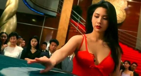 Những mỹ nhân nóng bỏng một bước thành sao nhờ đóng phim của Châu Tinh Trì - Ảnh 4.