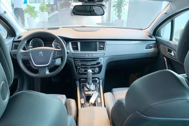 Đẩy hàng tồn, Peugeot 508 giảm giá kỷ lục, xuống nước trước Toyota Camry và Honda Accord mới - Ảnh 2.