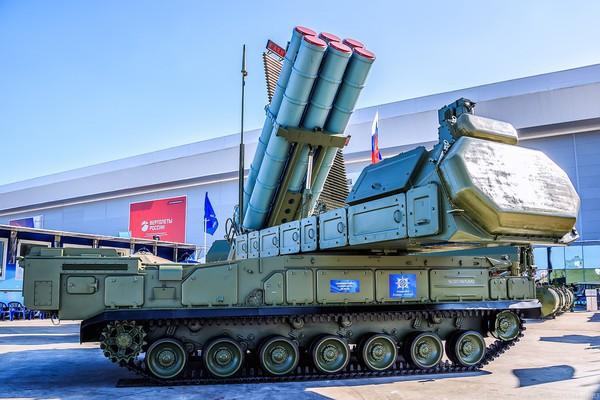 Nga cấp tốc trang bị tổ hợp phòng không Buk-M3 cho quân khu Trung tâm - ảnh 1