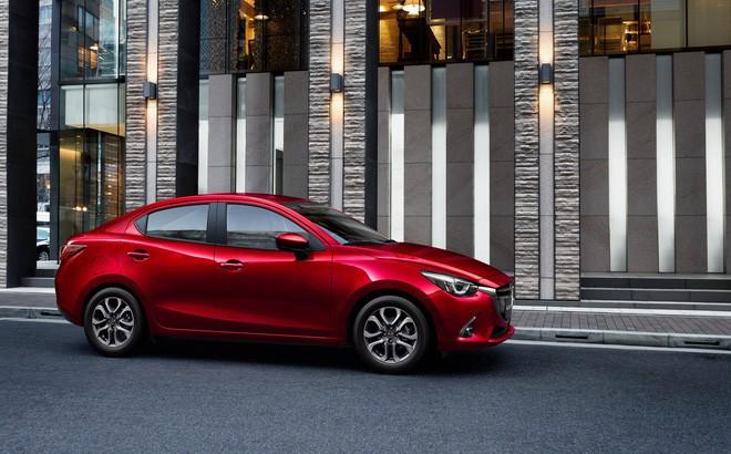 3 mẫu ô tô có mức giá thấp kỷ lục tại thị trường Việt Nam - Ảnh 1.