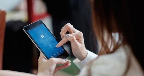 """Thường xuyên bình luận """"khẩu nghiệp"""" trên Facebook, vợ bỉm sữa câm nín khi bị chồng nhắc nhẹ - Ảnh 4."""