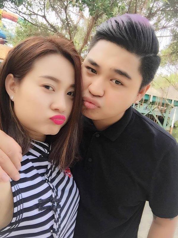 Chân dung người mẹ có 2 con riêng, hơn 8 tuổi vẫn được con trai Lê Giang yêu say đắm - Ảnh 2.