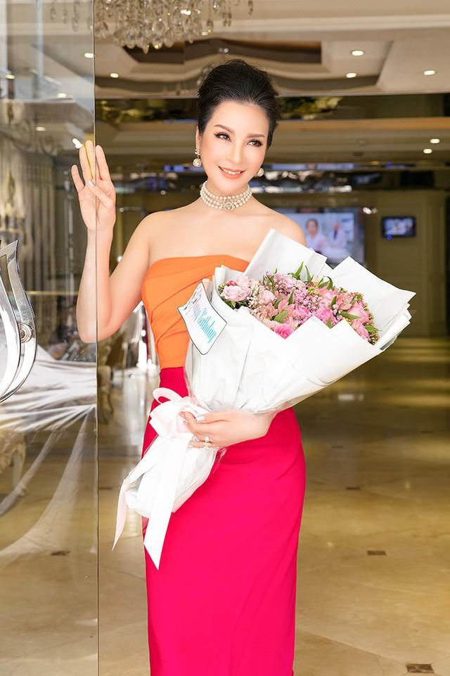 Bất ngờ với nhan sắc MC Thanh Mai ở tuổi 47 - ảnh 8
