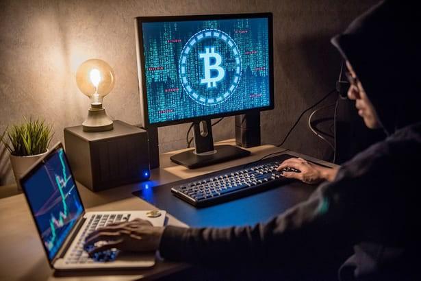 Đặc vụ Mỹ lần theo giao dịch Bitcoin, tìm và bắt giữ ông trùm mạng khiêu dâm trẻ em lớn nhất thế giới - Ảnh 3.