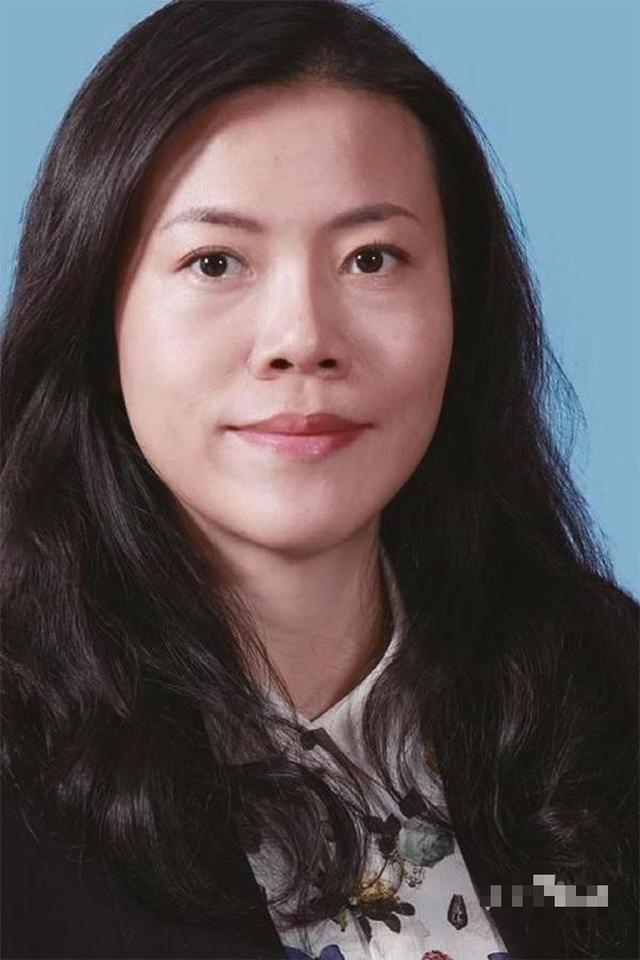 Đằng sau nữ tỷ phú giàu nhất Trung Quốc: Kiếm 2 tỷ đô chỉ trong 4 ngày nhưng về nhà đối với chồng lại lạ lùng thế này - Ảnh 1.