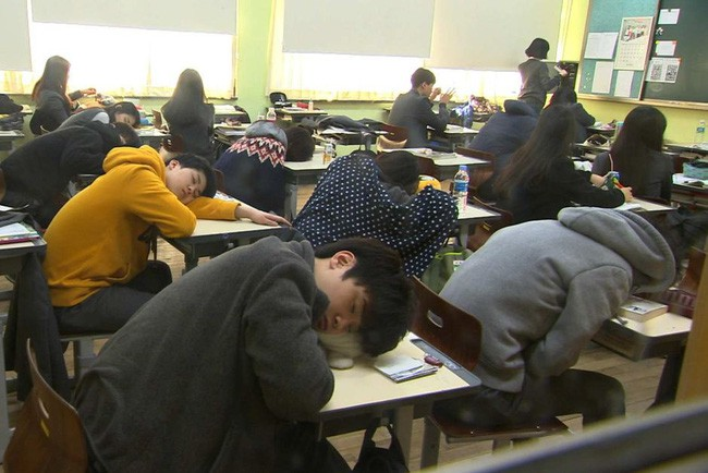 Hàn Quốc: Đất nước thịnh vượng nhưng không hề hạnh phúc, gần 40 vụ tự sát mỗi ngày và thế hệ N-po muốn buông bỏ mọi thứ kể cả sinh mạng - Ảnh 2.