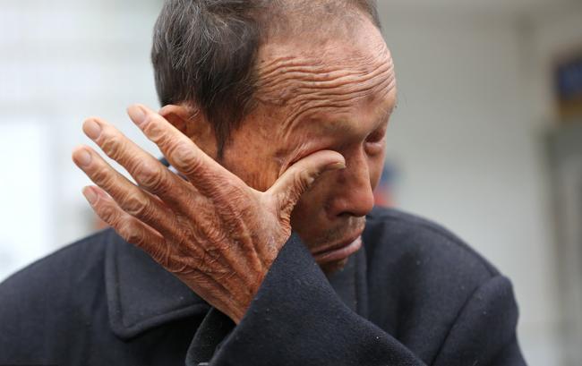 Về thăm cha già hấp hối, con trai hỏi sao chưa chịu chết đi? khiến ông uống thuốc sâu tự tử - Ảnh 3.
