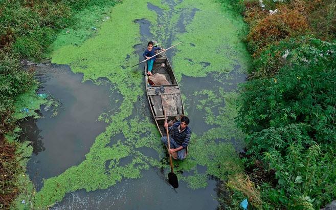 24h qua ảnh: Cầu gẫy sập, đè bẹp tàu đánh cá ở Đài Loan  - Ảnh 5.