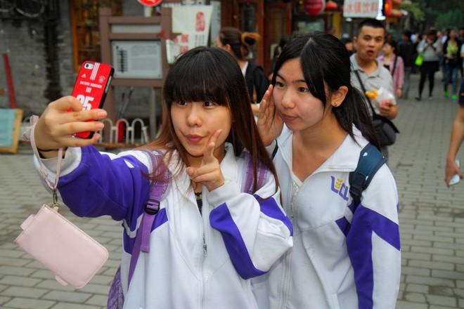 Từng một thời là mạng xã hội quốc dân, nhưng nay WeChat bị giới trẻ Trung Quốc lạnh nhạt vì già và cũ kỹ - Ảnh 1.