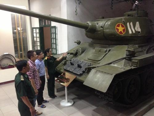Tầm nhìn chiến lược và sự trưởng thành của bộ đội TTG Việt Nam - Mua xe tăng T-90 hiện đại - Ảnh 2.