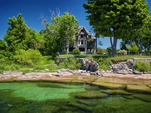 5 biệt thự bỏ hoang có giá triệu USD - Ảnh 2.