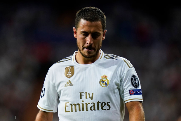 Courtois để thủng lưới hài hước, VAR cứu Real Madrid thoát khỏi trận thua nhục nhã trên sân nhà - Ảnh 10.