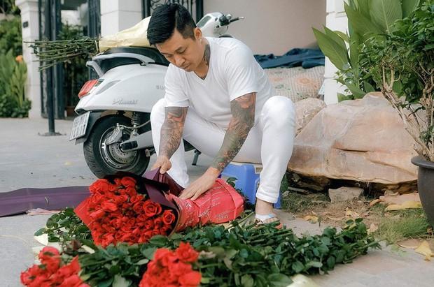 Sao Vbiz ngày 20/10: Vợ chồng Hà Tăng, Thủy Tiên cực ngọt ngào sau 10 năm gắn bó, Dương Khắc Linh tặng vợ quà 'khó đỡ' - ảnh 4