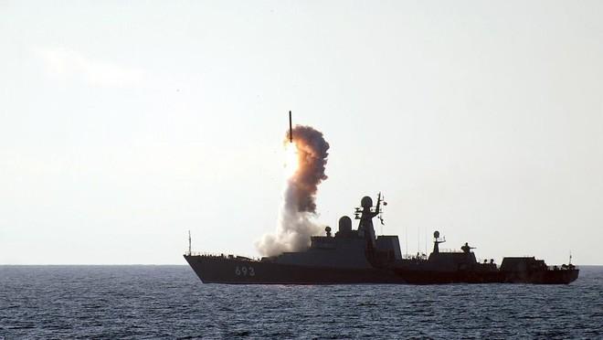 Hải quân Nga giữa lựa chọn sinh tử: Ồ ạt đóng tàu sân bay hay siêu tên lửa diệt hạm? - Ảnh 5.