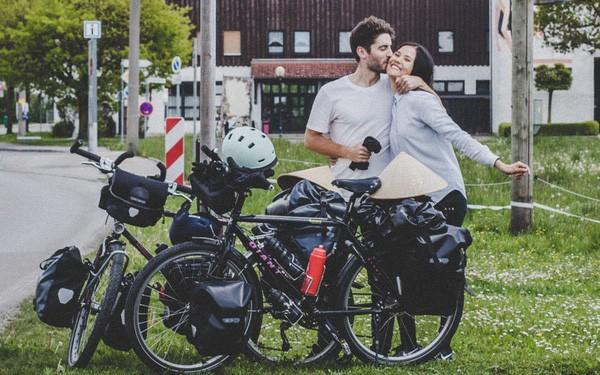 Cung đường tình yêu đạp xe từ nhà anh về nhà em của chàng trai Pháp và cô gái Việt: 6 tháng đi qua 12 nước, chồng vừa ngỏ lời vợ đồng ý cái rụp - ảnh 1