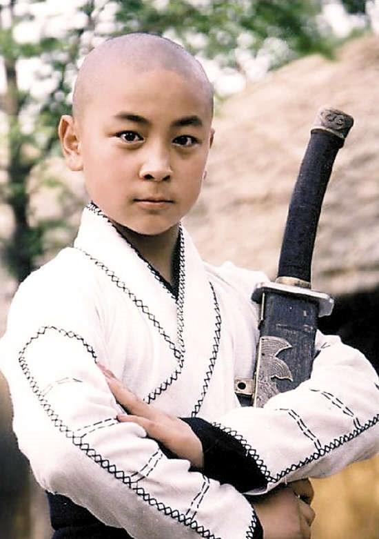 Sao nhí Thích Tiểu Long: Mở võ đường, làm đạo diễn, lăn xả để tìm kiếm ánh hào quang quá khứ - Ảnh 3.