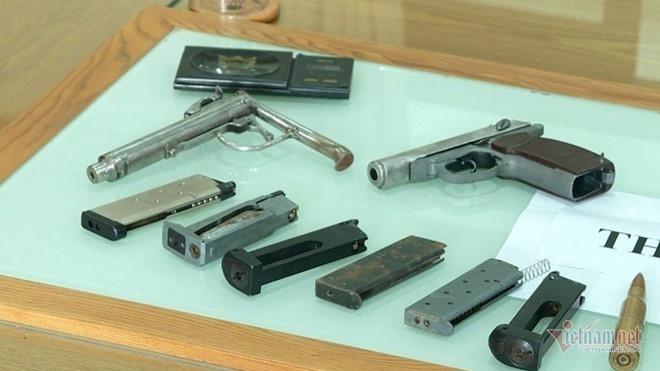 Khởi tố giang hồ Khánh kê từng bắn vào công an, thu 12 khẩu súng - Ảnh 3.