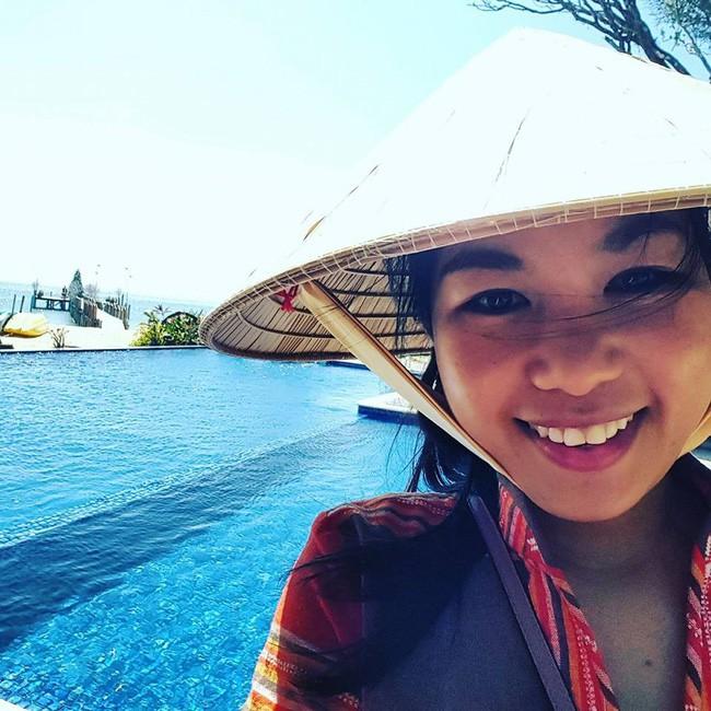 Cô gái Sài Gòn chỉ mua 10 bộ quần áo, 3 đôi giày, 1 cây son và không dùng sữa rửa mặt, kem chống nắng nhưng nhìn nhan sắc, làn da thì ai cũng giật mình - ảnh 4