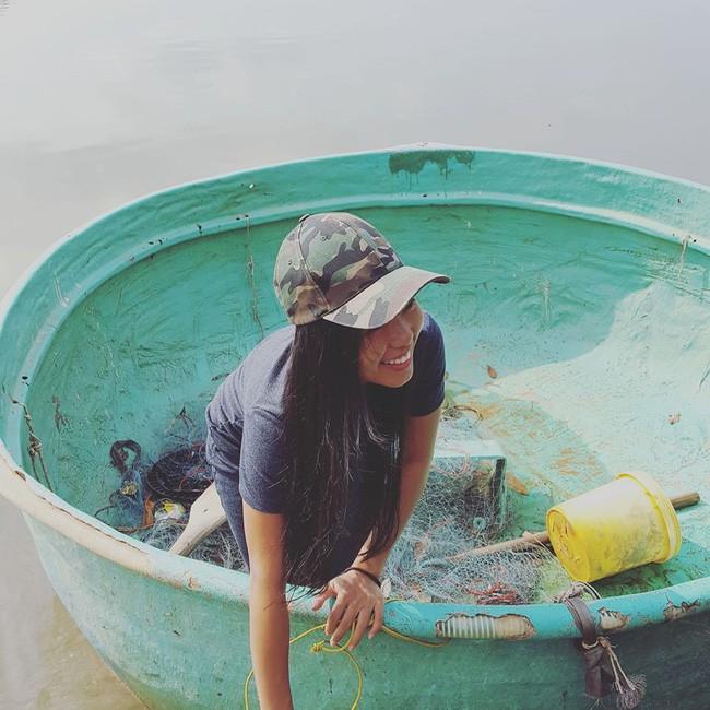 Cô gái Sài Gòn chỉ mua 10 bộ quần áo, 3 đôi giày, 1 cây son và không dùng sữa rửa mặt, kem chống nắng nhưng nhìn nhan sắc, làn da thì ai cũng giật mình - ảnh 6
