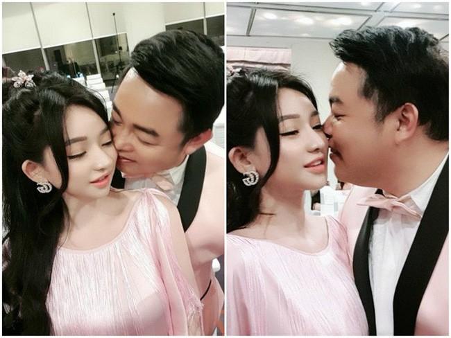 Sau bức ảnh hôn má vợ cũ Hồ Quang Hiếu, Quang Lê úp mở chuyện hẹn hò bằng hành động thân mật này - ảnh 3