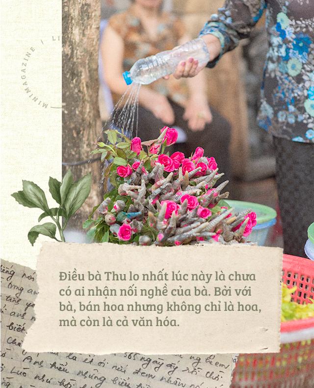 Triết lý sung sướng phụ nữ hiện đại nào cũng phải học từ cụ bà 81 tuổi bán hoa gói lá 70 năm ở góc chợ Đồng Xuân - Ảnh 21.