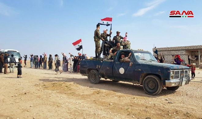 Xe quân sự Nga rầm rập tiến về Đông Bắc Syria - Người Kurd không rút nhanh sẽ bị đánh tơi tả - Ảnh 24.