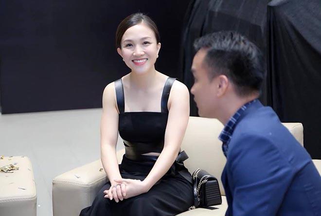 Bà xã xinh đẹp kém 12 tuổi, bỏ cả sự nghiệp ca hát để ở bên Phan Đinh Tùng giờ ra sao? - Ảnh 7.