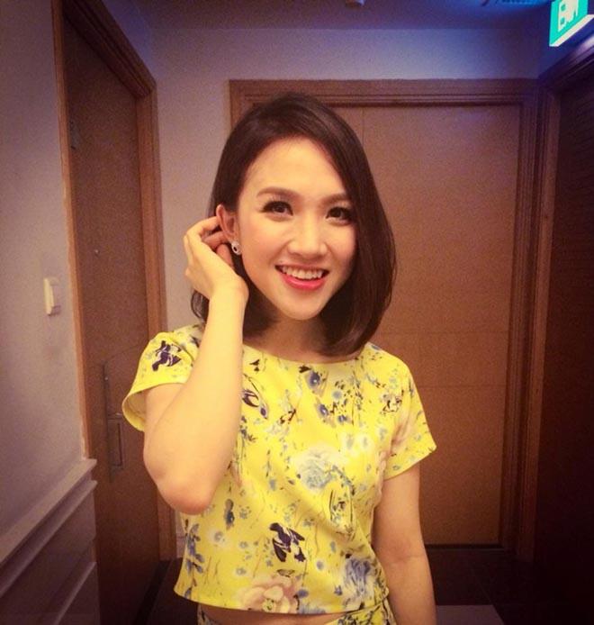 Bà xã xinh đẹp kém 12 tuổi, bỏ cả sự nghiệp ca hát để ở bên Phan Đinh Tùng giờ ra sao? - Ảnh 1.