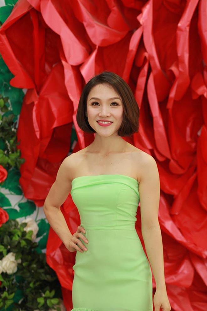 Bà xã xinh đẹp kém 12 tuổi, bỏ cả sự nghiệp ca hát để ở bên Phan Đinh Tùng giờ ra sao? - Ảnh 5.