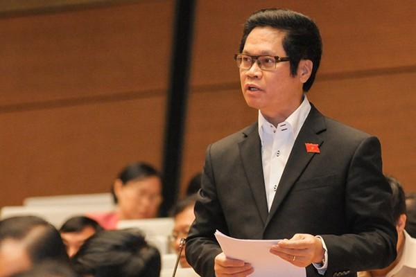 Tranh luận về giờ làm thêm, bà Nguyễn Thị Quyết Tâm rơi nước mắt nói có cha mẹ nào muốn xa con - Ảnh 2.
