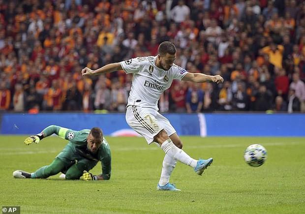 Sao 100 triệu euro của Real Madrid tự biến mình trở thành trò cười với pha bỏ lỡ của mùa giải - Ảnh 3.