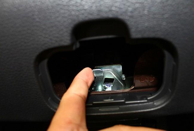 Những thiết kế bí mật trên ô tô không phải tài xế nào cũng biết - Ảnh 3.