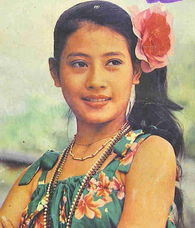 Hậu cung đầy sóng gió của Quốc vương Thái Lan: Có 5 bà vợ, từng kết hôn với em họ và vụ ly hôn tiêu tốn đến 5,5 triệu đô - Ảnh 4.
